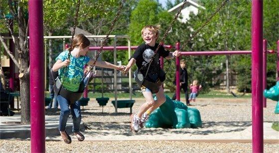 Picture: Kids Swinging